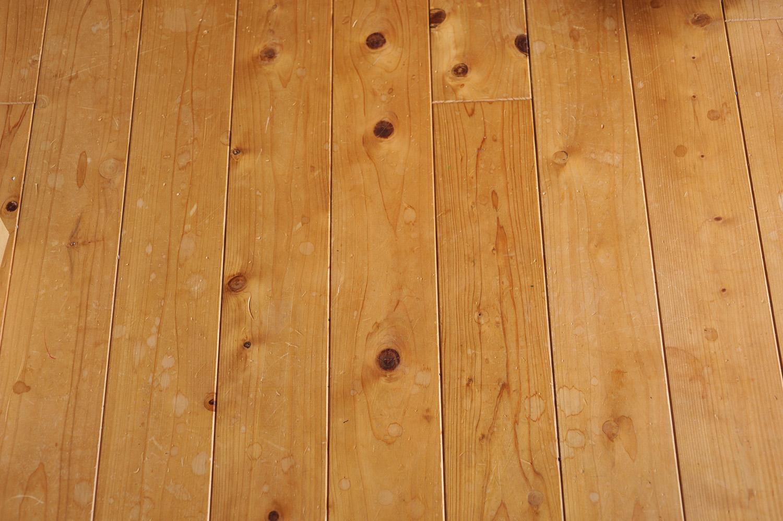 ヒノキの床板